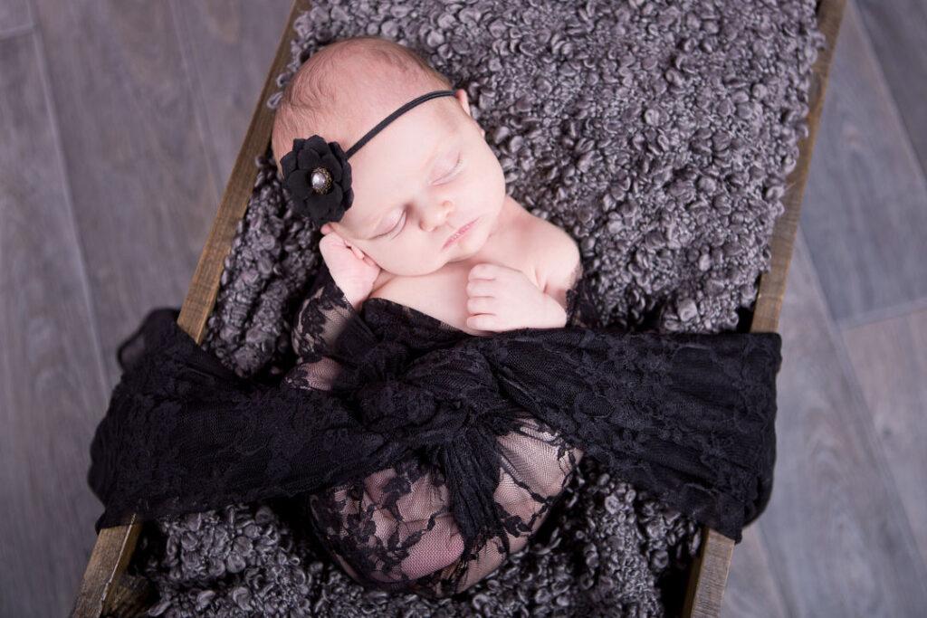 bebe avec plaid noir gignac