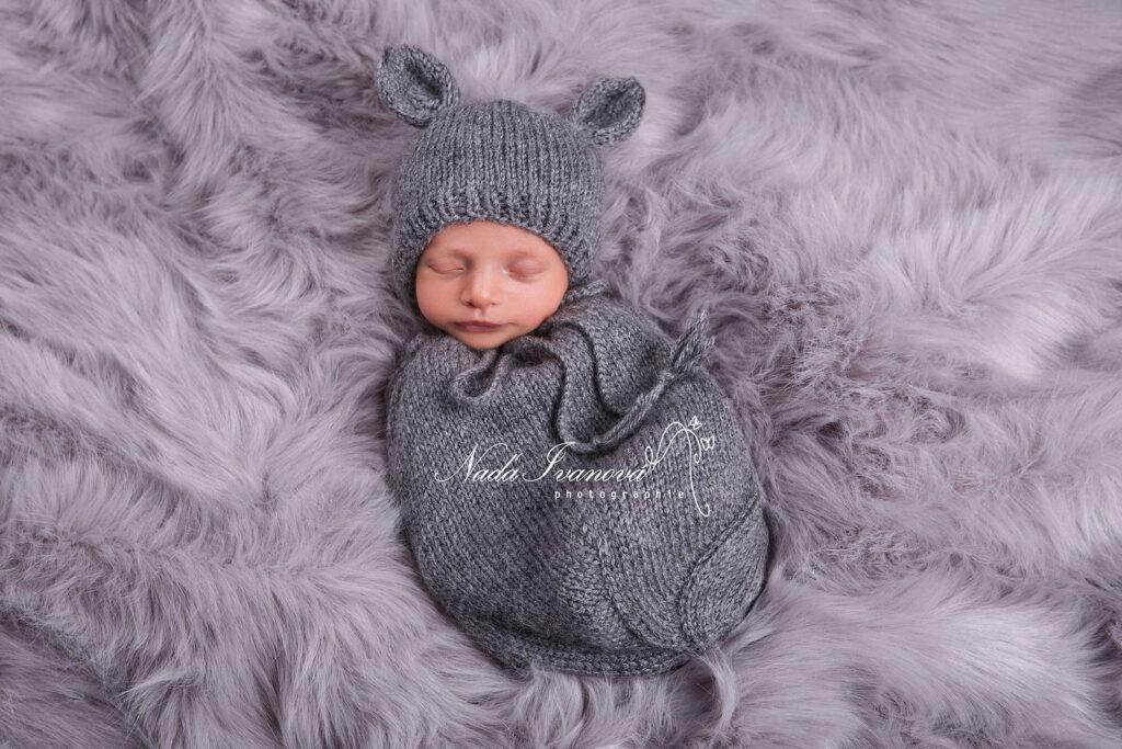 leandr bebe beziers sur fond gris