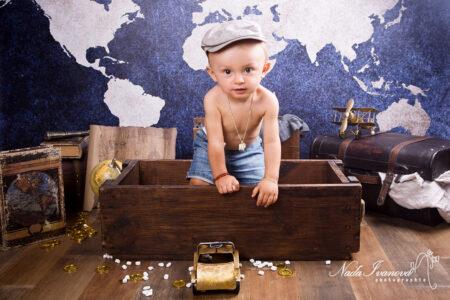 photographe pezenas 1 an theme voyage belle boite en bois et voiture