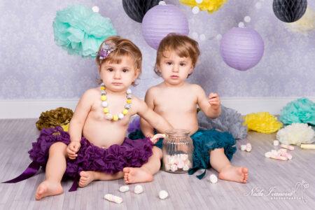 photographe villeneuve les beziers fille jumelle anniversaire 1 an bonbon et tutu