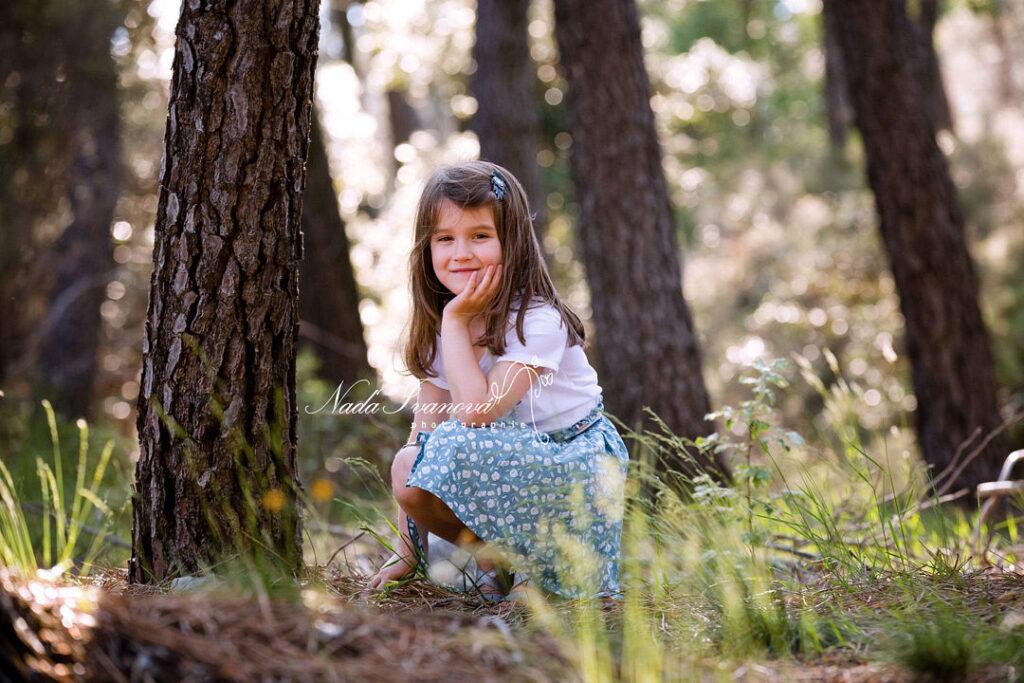 Photographe Montpellier Petite Fille En Foret