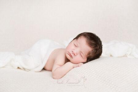 seance photo bebe de lamalou les bain fait en studio par nada ivanova
