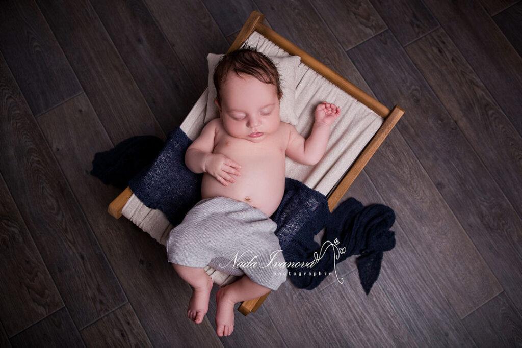 photoshoot bebe dans un transat
