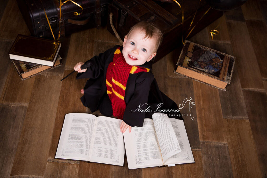 photo bebe Hermione granger avec livre