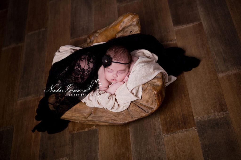photo bebe en noir