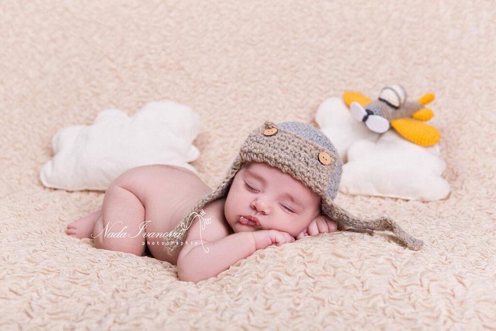 photo de bebe dans les nuages