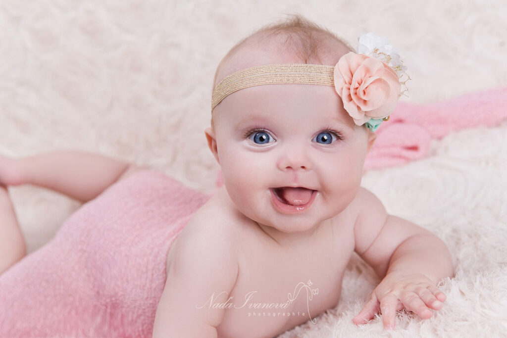 photo bebe yeux bleu de millau